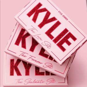💗New Kylie Cosmetics Valentines Lip Trios💗
